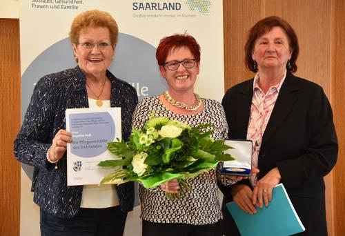 Angelika Noß mit der Pflegemedaille ausgezeichnet