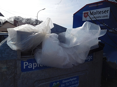 Plastik ist kein Altpapier!