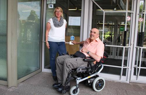 Leichterer Zugang zum Rathaus für Rollstuhlfahrer