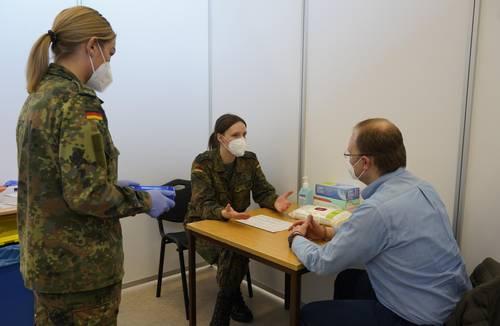 Impfzentrum Bundeswehr in Lebach eröffnet